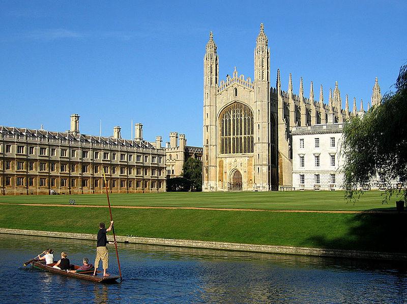 O-campus-da-Universidade-de-Cambridge-é-considerado-um-dos-mais-bonitos-do-mundo.
