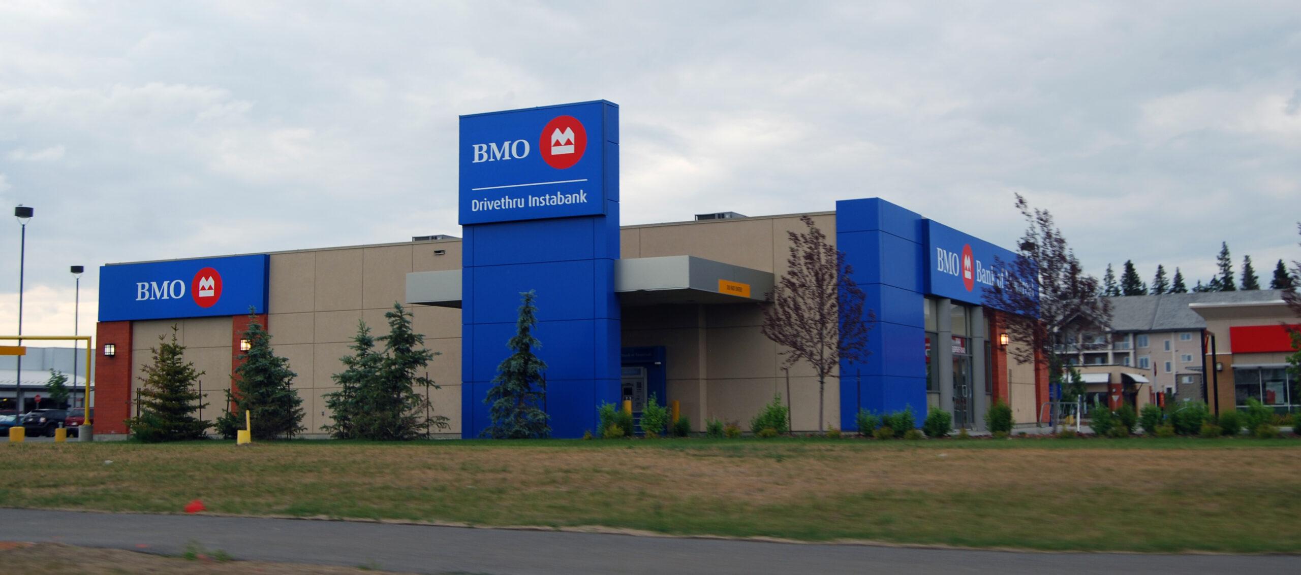 abrir-uma-conta-bancária-no-canadá-bmo-edmonton