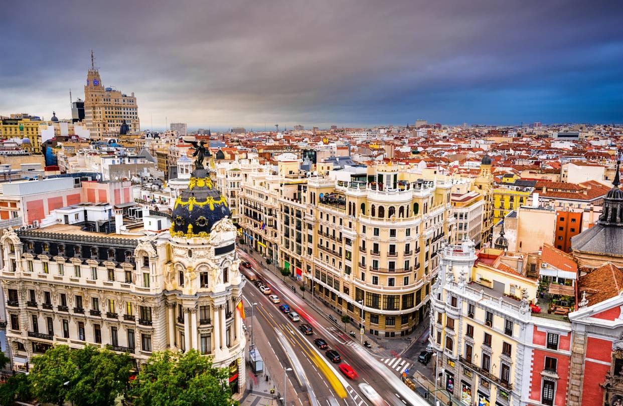 A Fundação Carolina oferece bolsas em toda a Espanha, inclusive na capital Madrid.