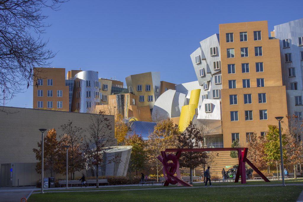 Ray and Maria Stata Center: um dos prédios mais famosos do MIT.