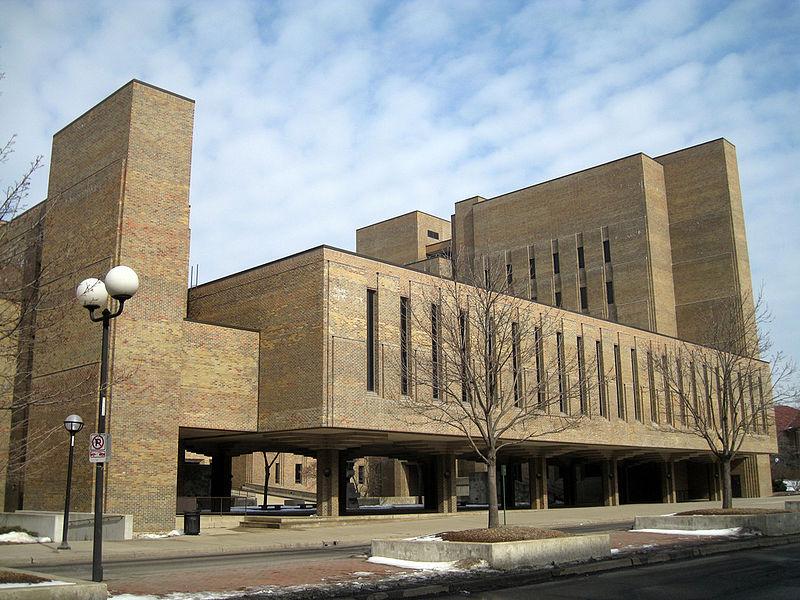 Escola-de-Odontologia-da-Universidade-de-Michigan
