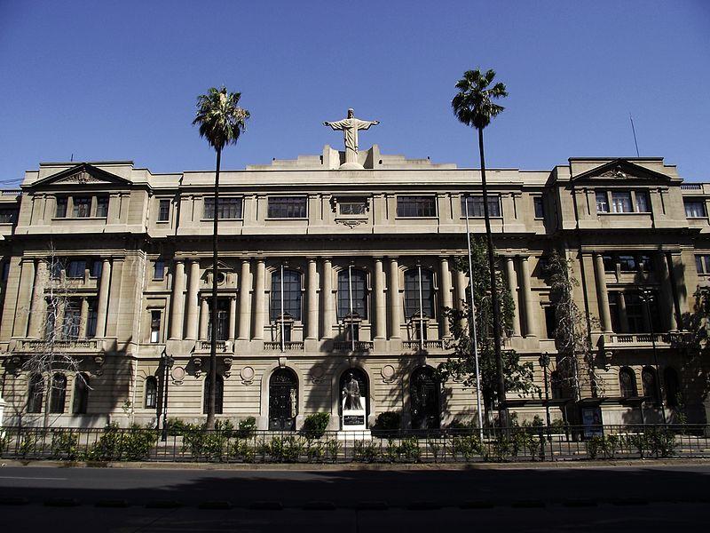 Casa-Central-da-Pontificia-Universidade-Catolica-do-Chile