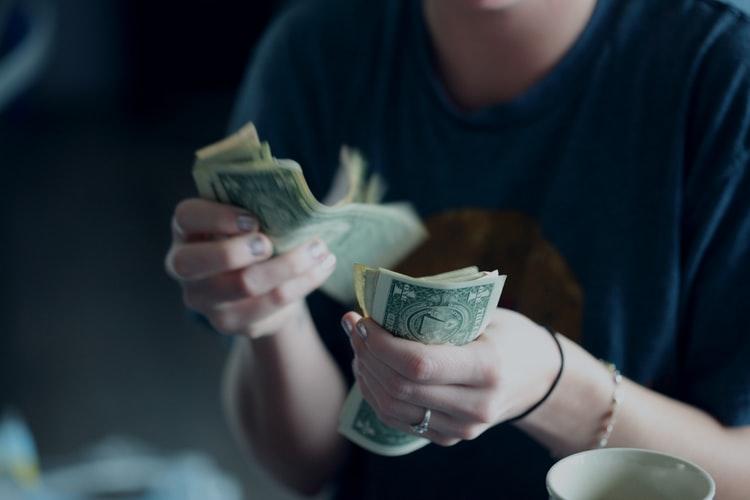 Guardar-dinheiro-para-viajar