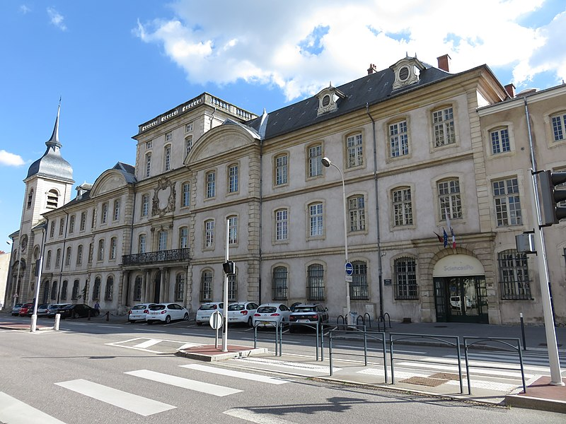 8 bolsas oferecidas por governo e universidades da França 2