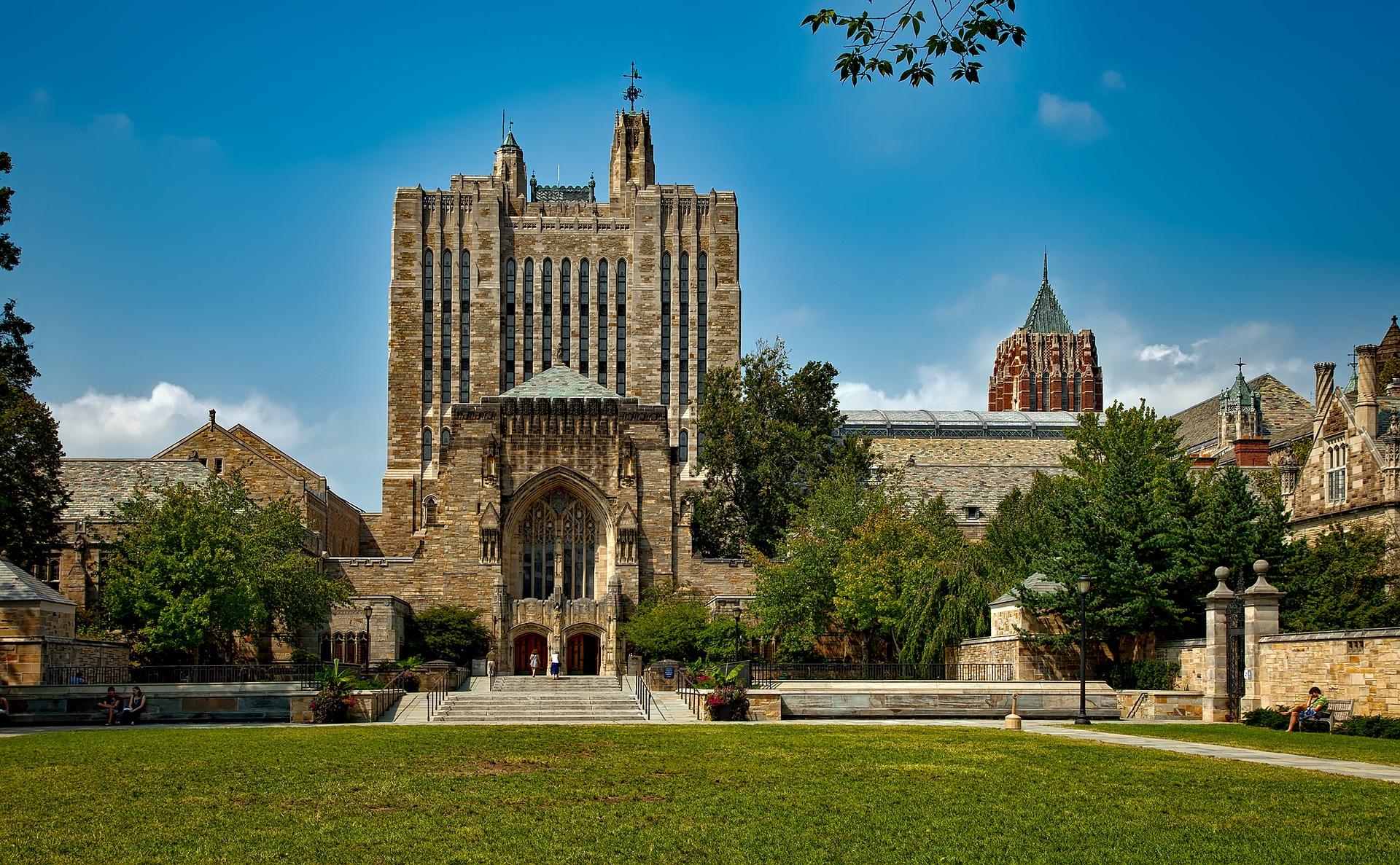 Universidade Yale: 300 anos de história 1