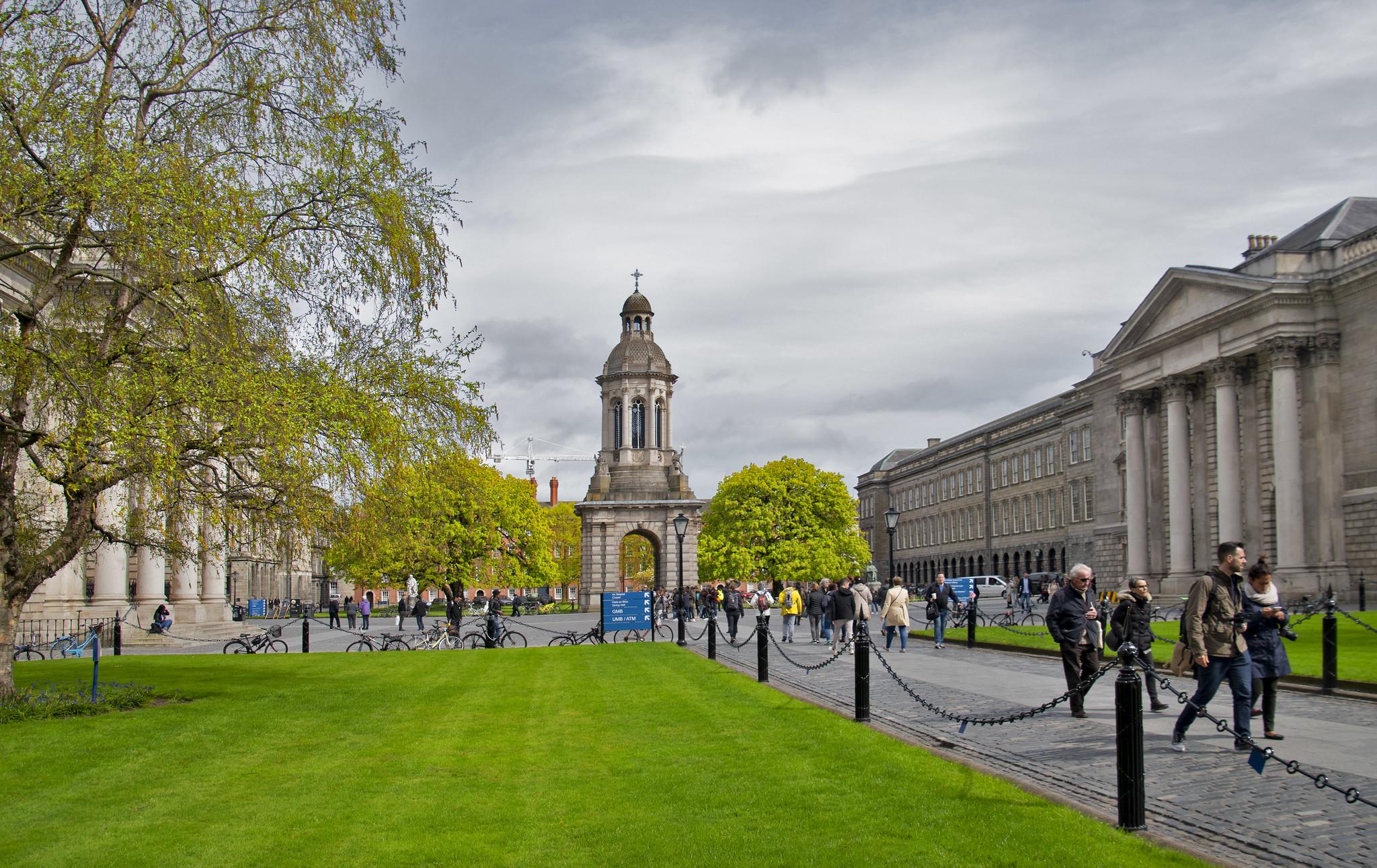 A-Trinity-College-Dublin-é-a-primeira-entre-as-melhores-universidades-da-Irlanda