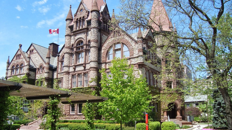 Ivy-League-Canadense-UToronto