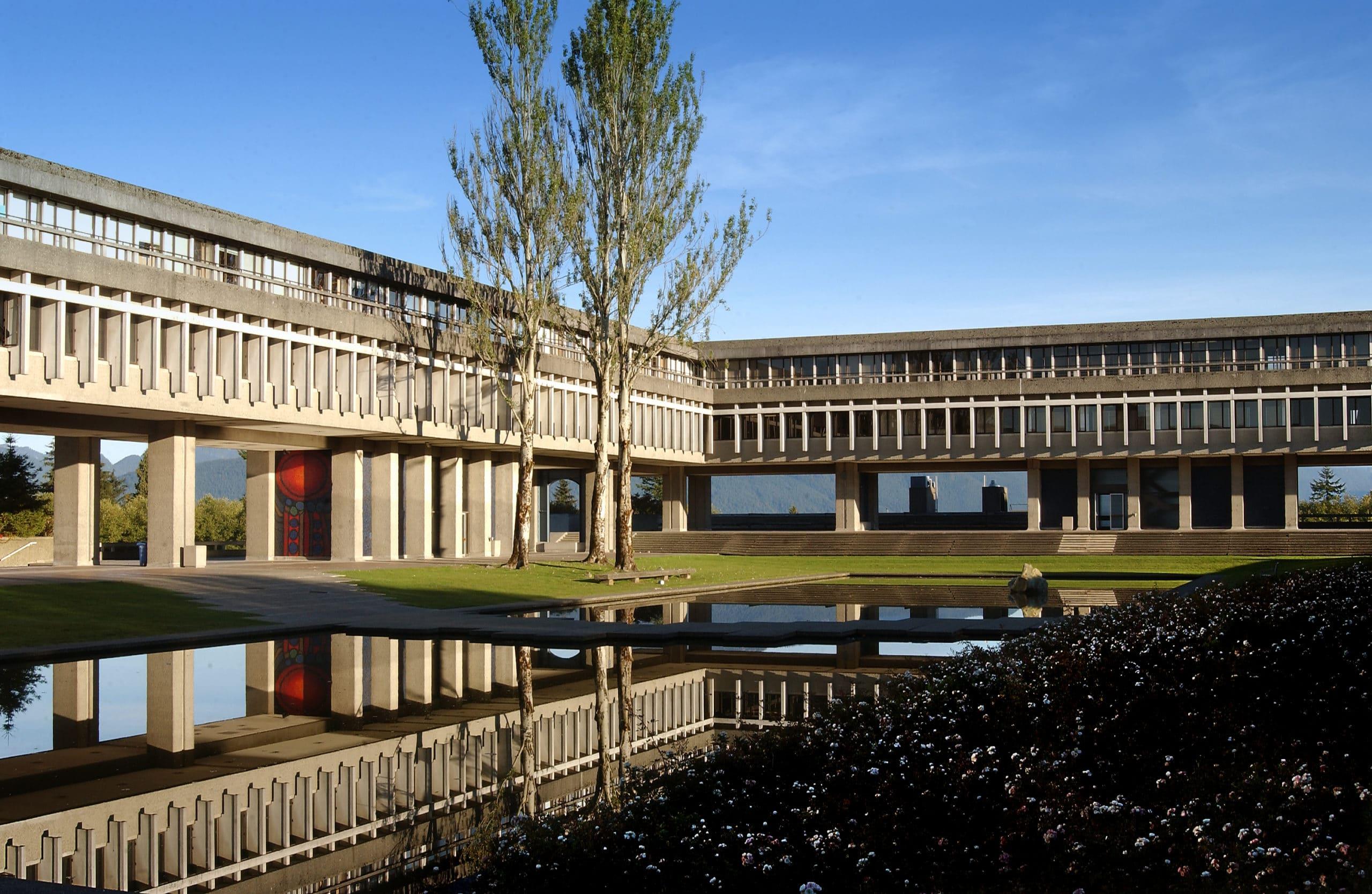 melhores-universidades-do-canada-para-estudantes-internacionais-Simon-Fraser-Burnaby