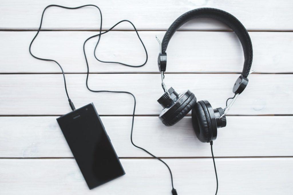 1-podcasts-para-ouvir-e-aprender