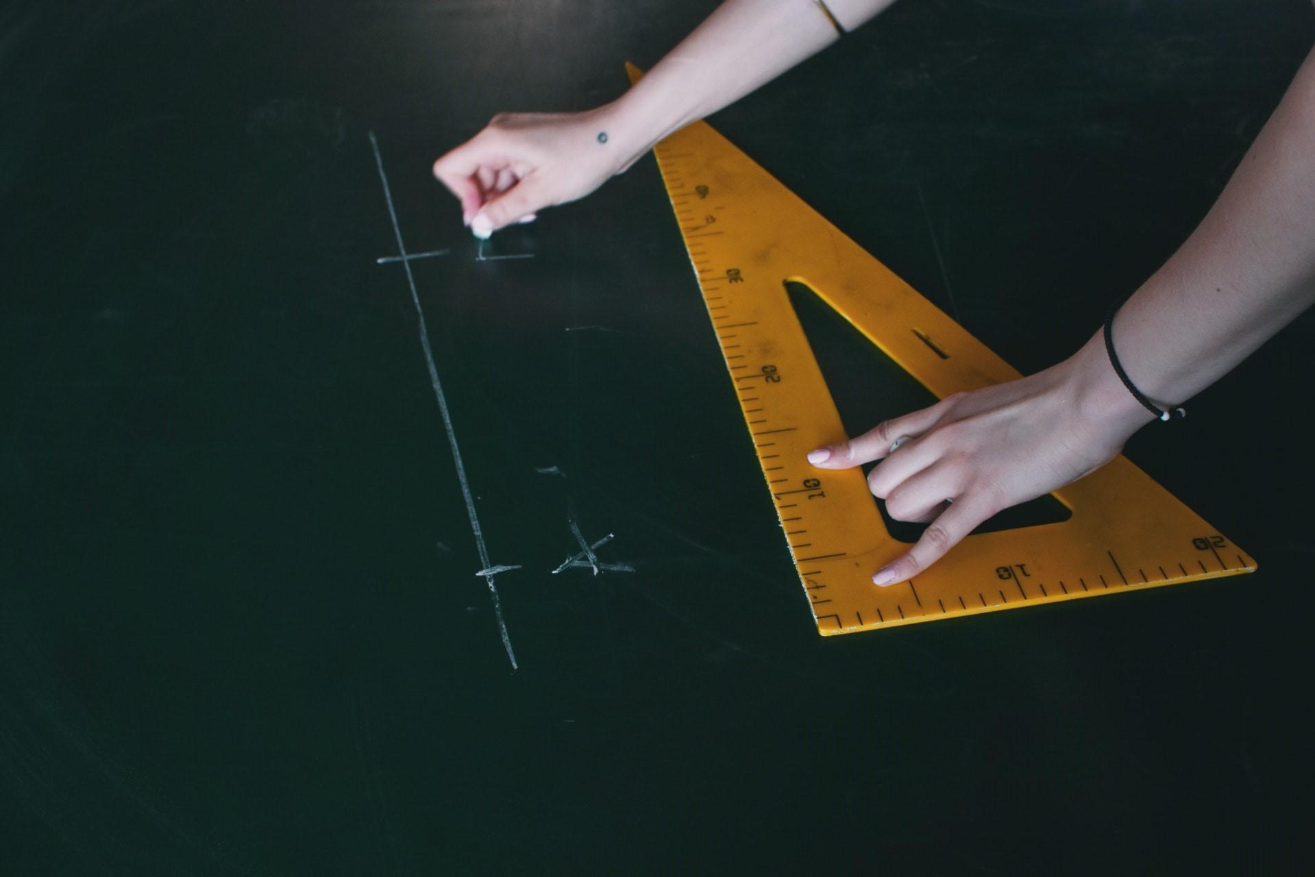 O que é avaliado na seção de Matemática do ACT?