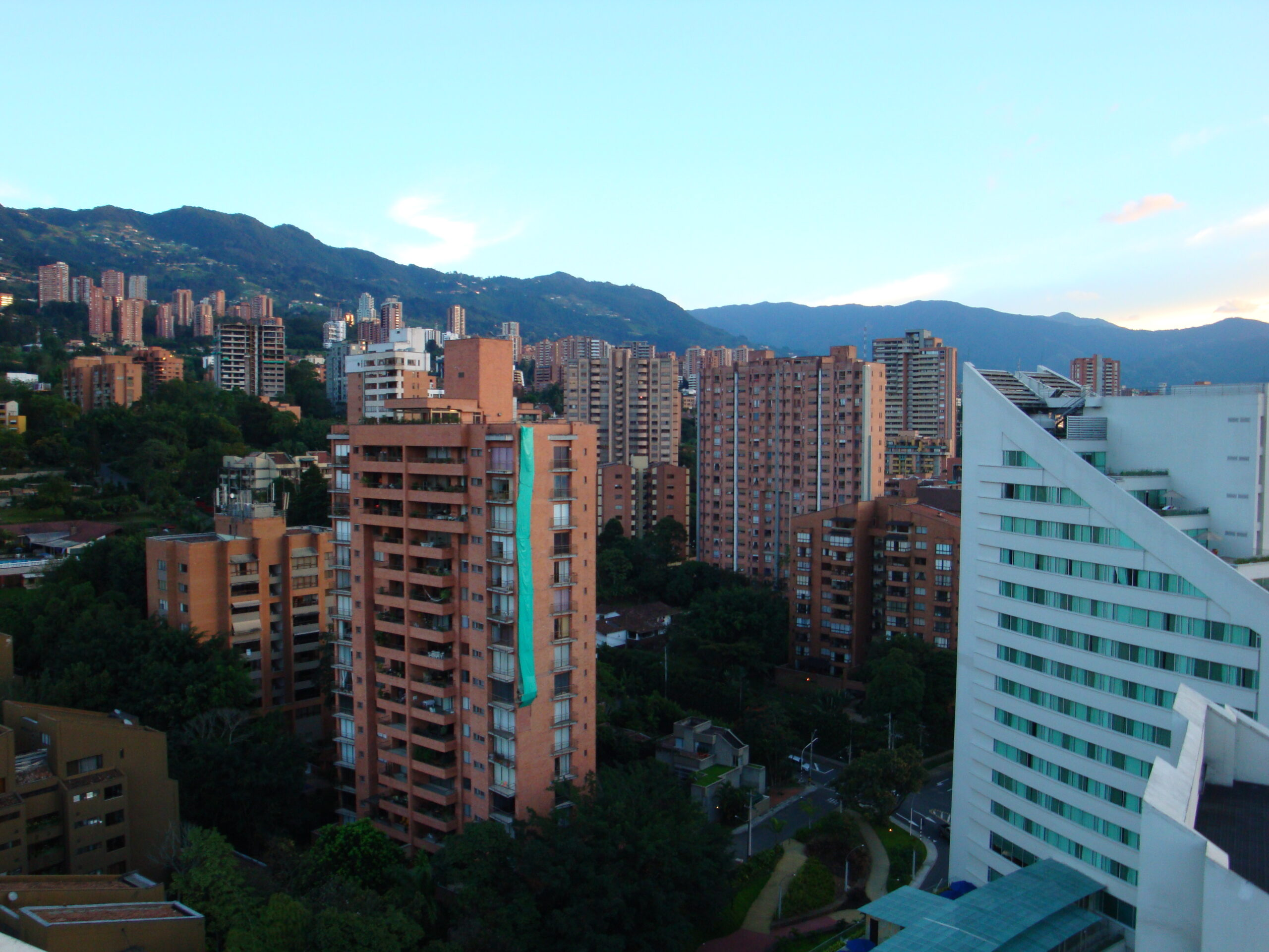 melhores-cidades-para-estudar-na-colombia-medellin
