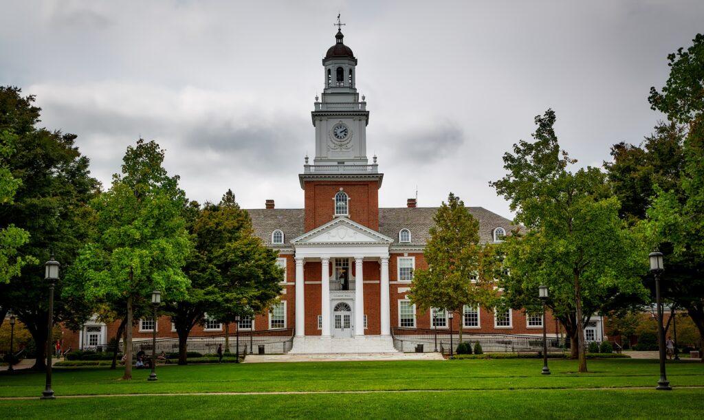 melhores-universidades-do-sul-dos-estados-unidos-johns-hopkins