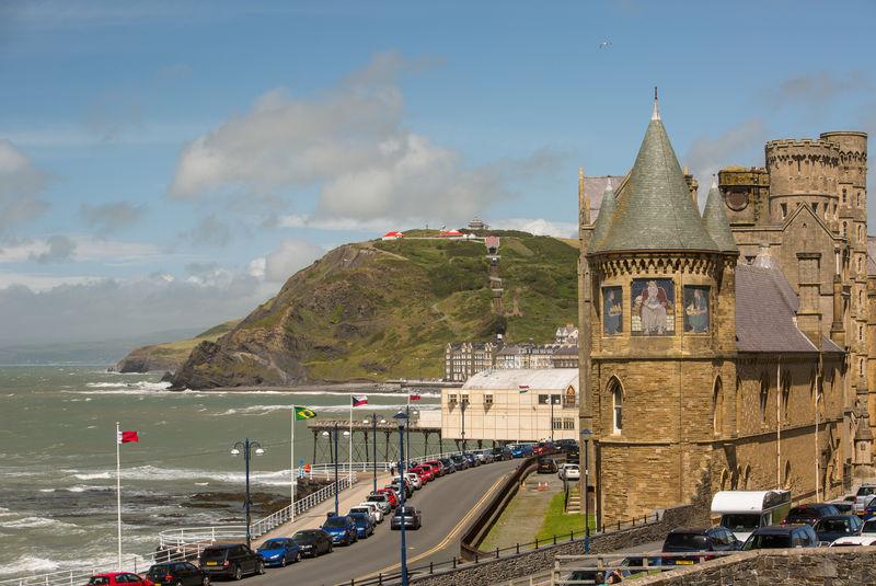 melhores-universidades-no-litoral-do-reino-unido-Aberystwyth