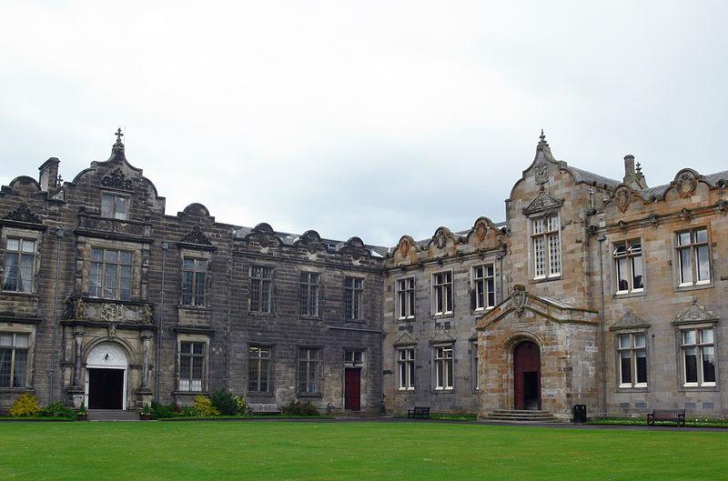 melhores-universidades-no-litoral-do-reino-unido-St-Andrews