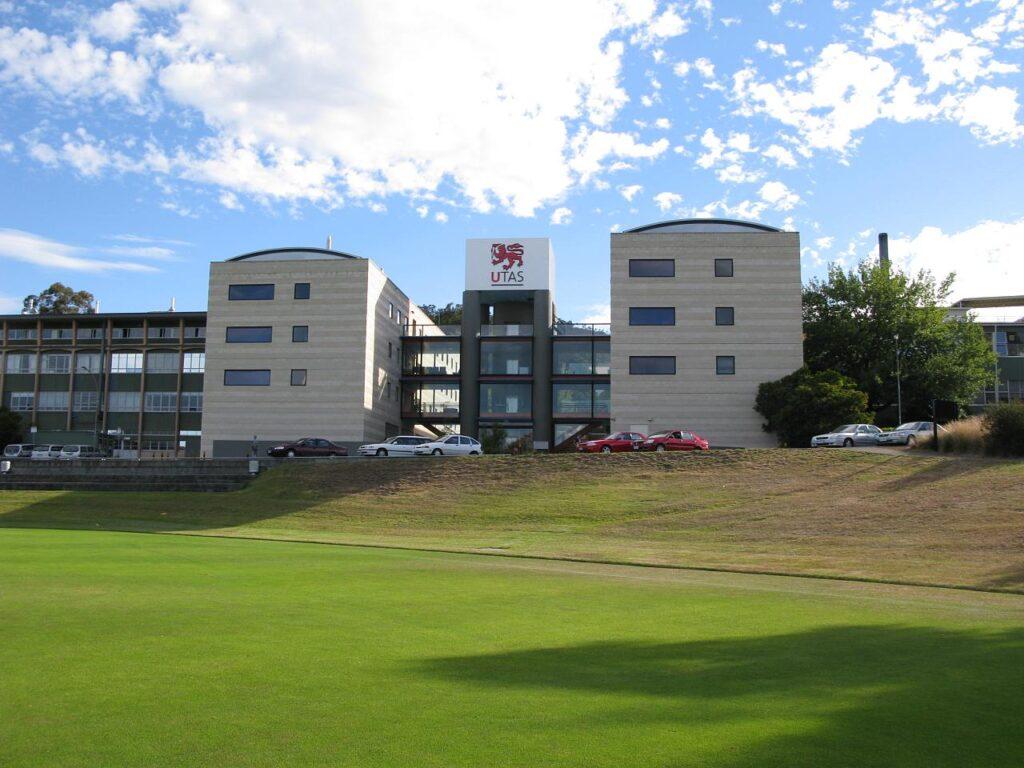 Destination-Australia-Sunshine-University-of-Tasmania