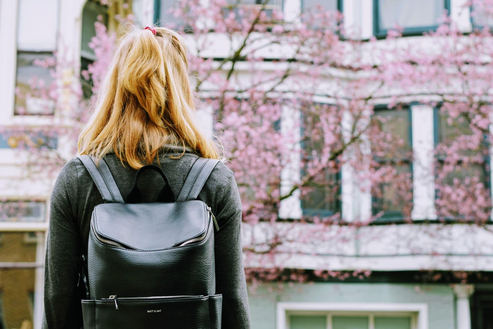 4 vantagens de uma graduação multidisciplinar no exterior