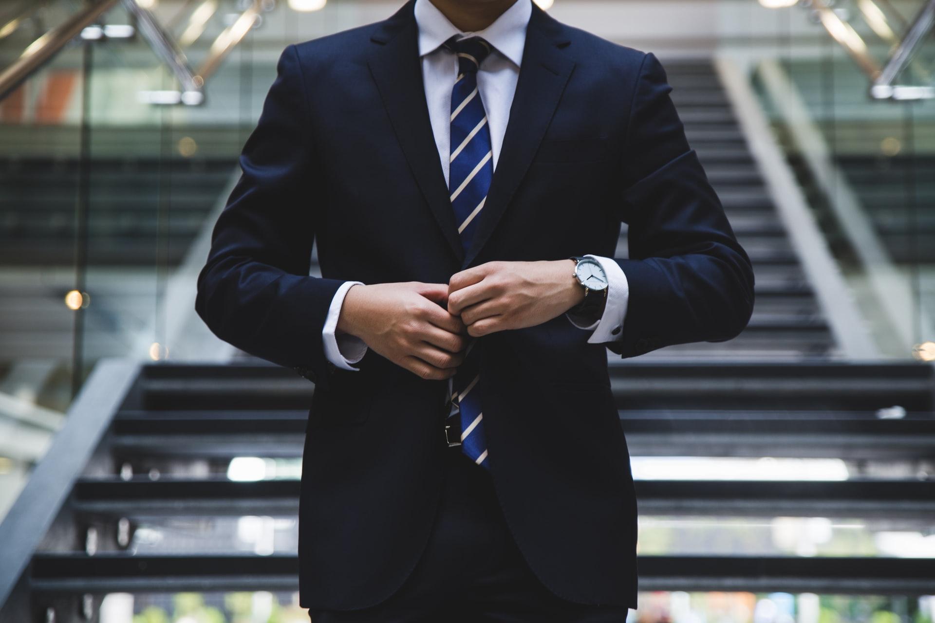 TESTE: Você combina mais com Direito ou Negócios?