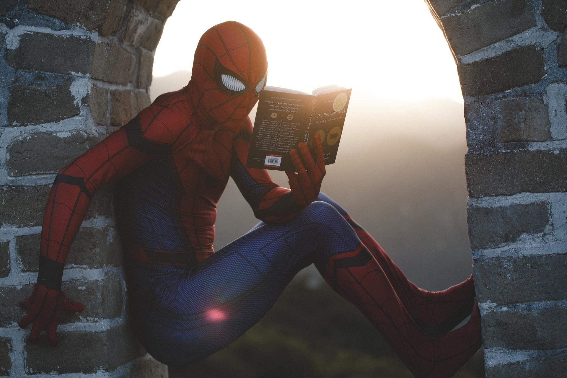TESTE: Escolha um personagem de Vingadores e diremos a universidade em que deve estudar