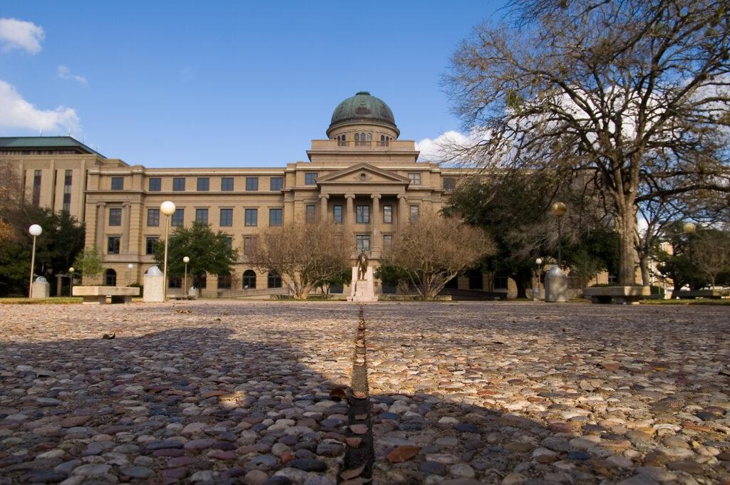 Hispanic-Serving-Institutions