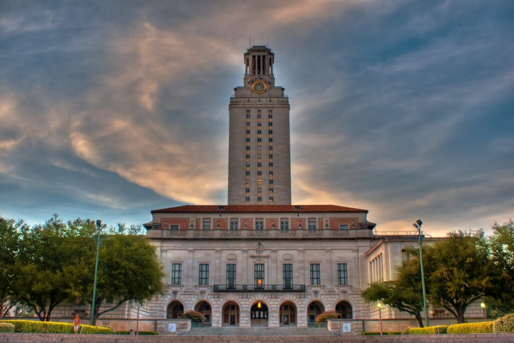Universidade-do-Texas-em-Austin