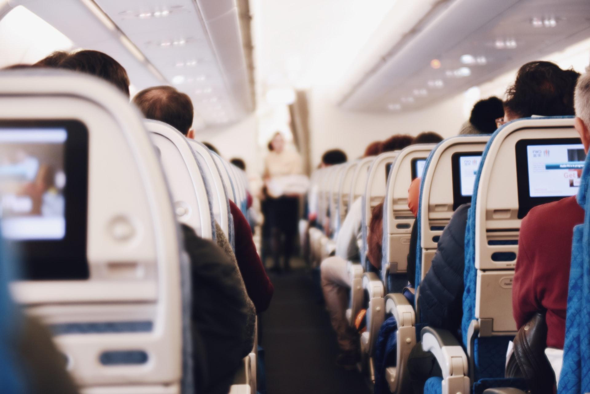 TESTE: O que você pode e não pode fazer dentro do avião?