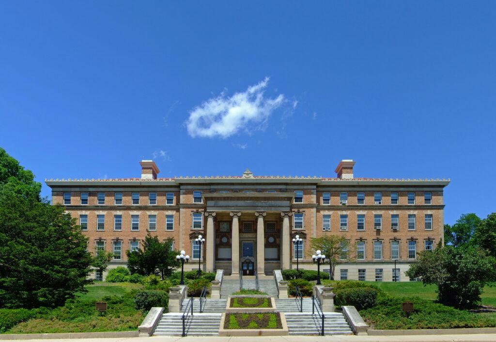 Universidade-de-Wisconsin