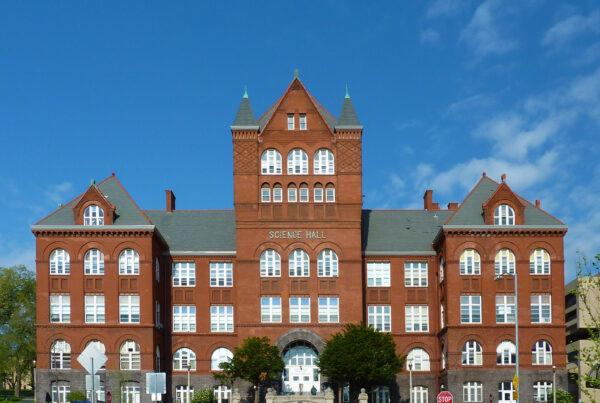 Universidade-de-Wisconsin-Capa