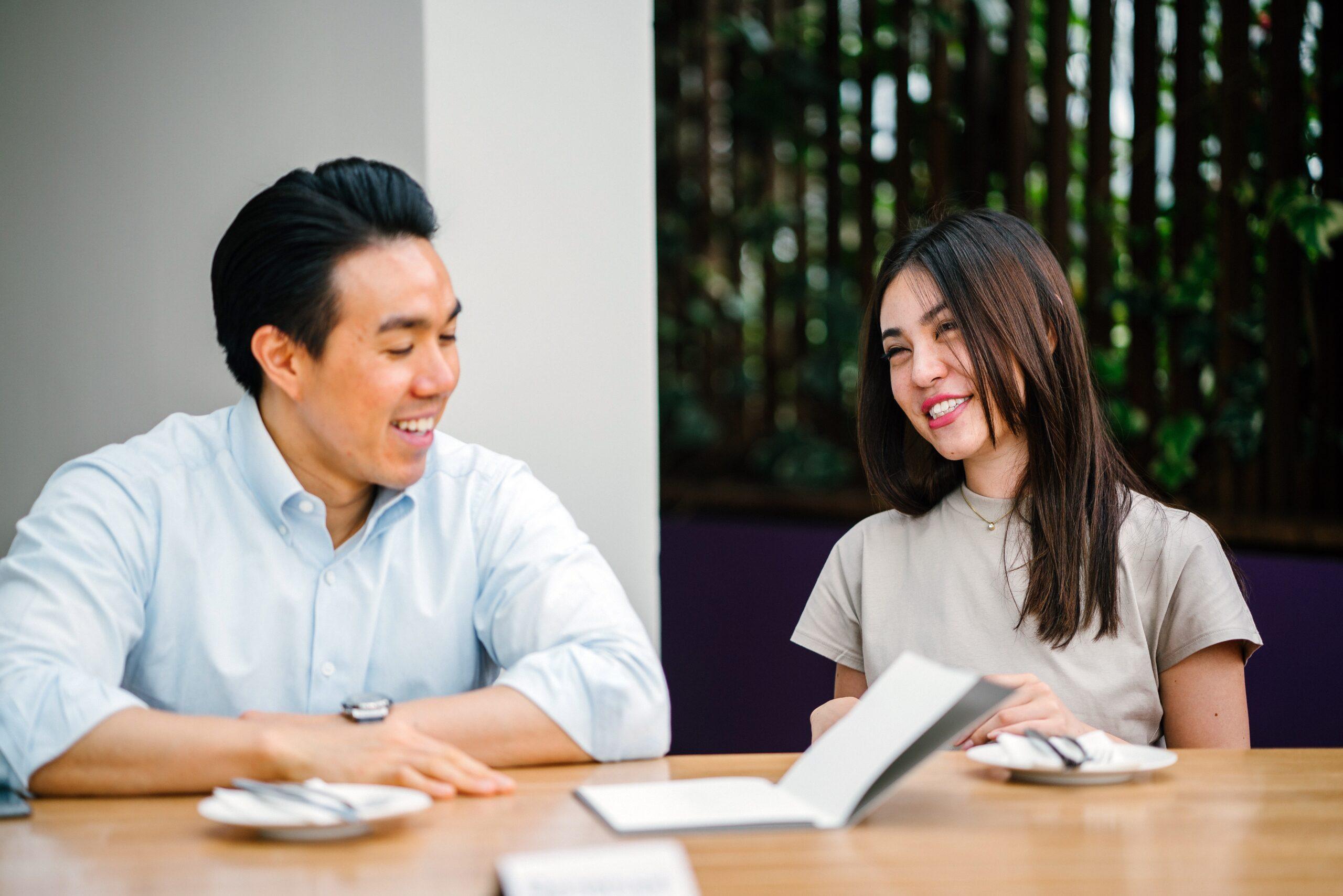 Quais são os prós e contras de trabalhar durante a faculdade nos EUA?