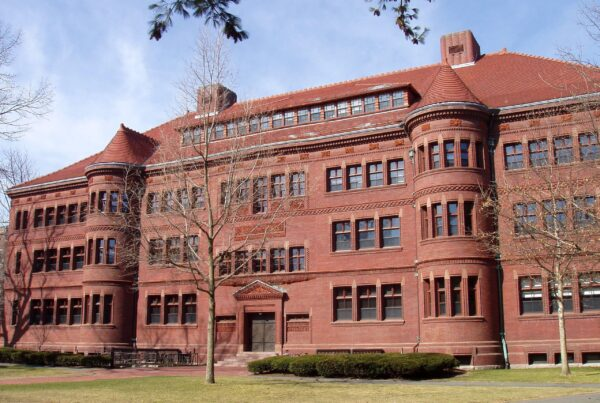 universidades-com-os-maiores-endowments-capa