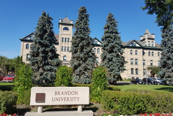 universidades-mais-baratas-no-Canadá-Universidade-Brandon
